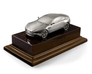 model Aston Martin 2005 AMV8